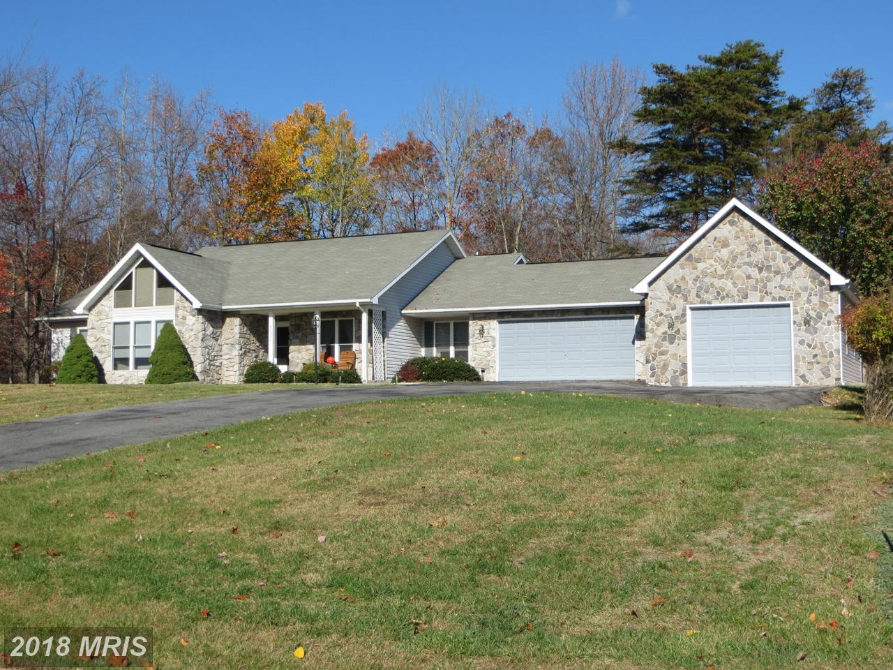 132  Warpath Lane,  Hedgesville, WV