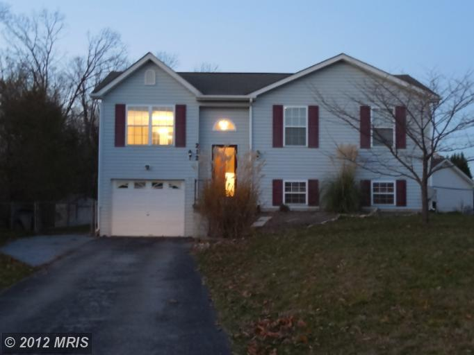 212  FARM POND,  MARTINSBURG, WV
