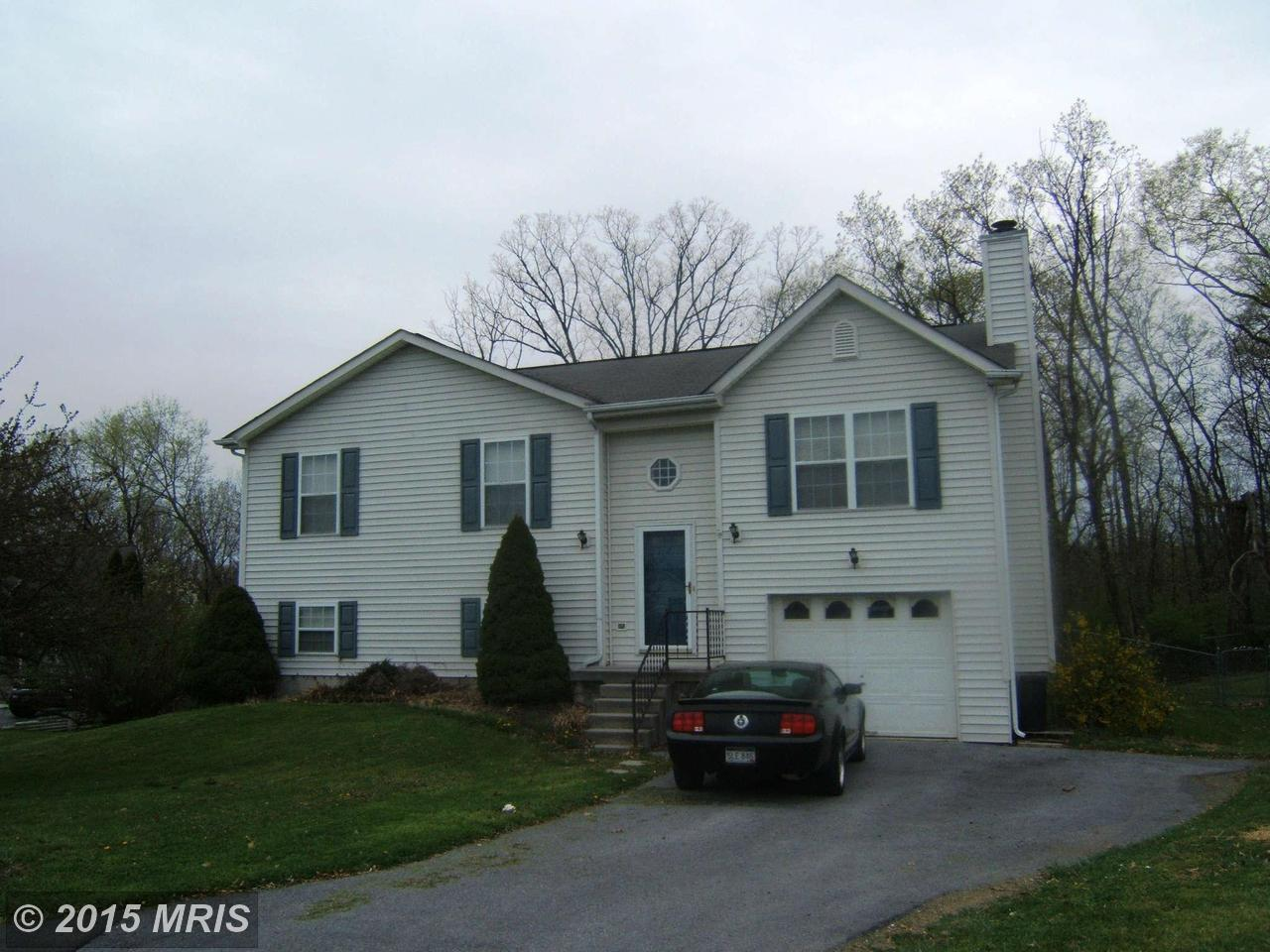 216  Farm  Pond,  Martinsburg, WV