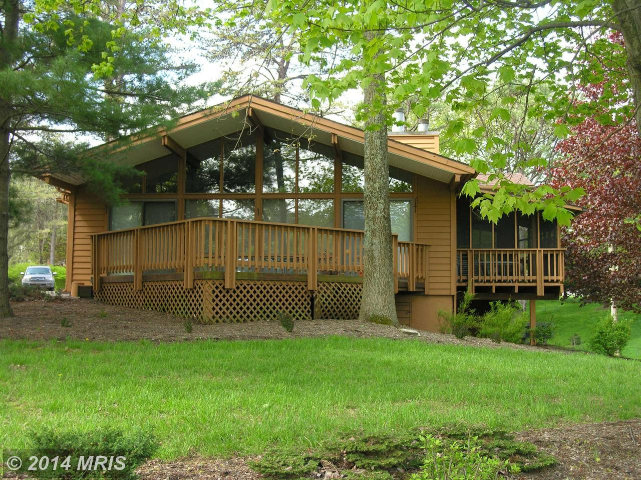 290  The Woods,  Hedgesville, WV