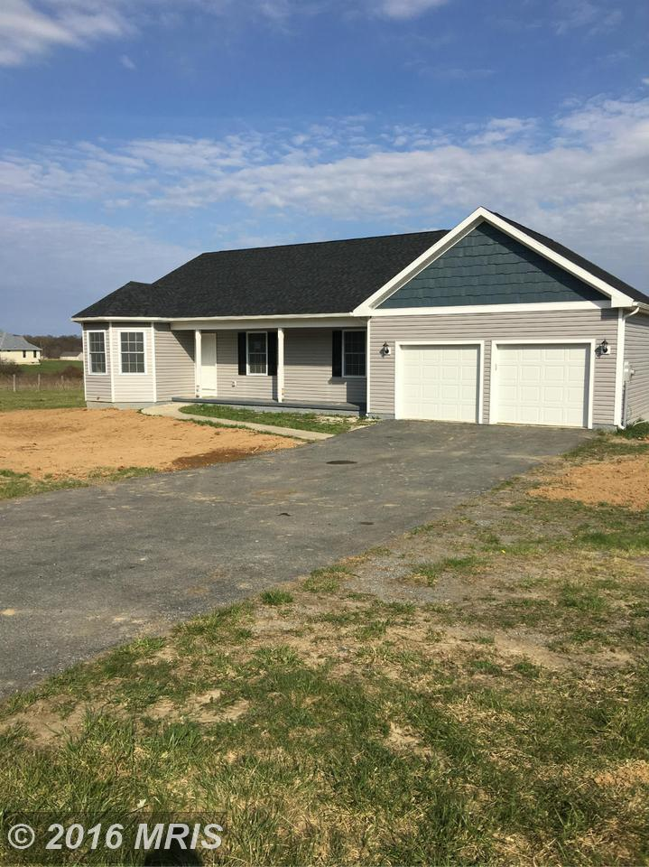 1442  1442 Poor House Farm Rd,  Martinsburg, WV