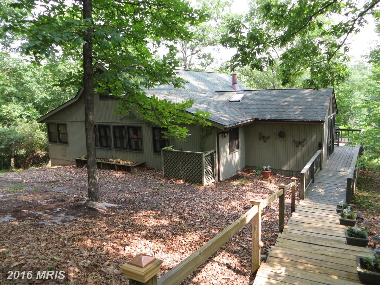 125  Wickiup Lane,  Hedgesville, WV