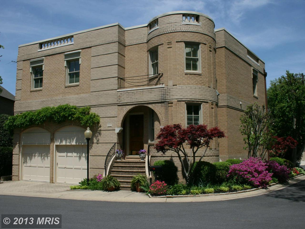 4704  FOXHALL,  WASHINGTON, DC