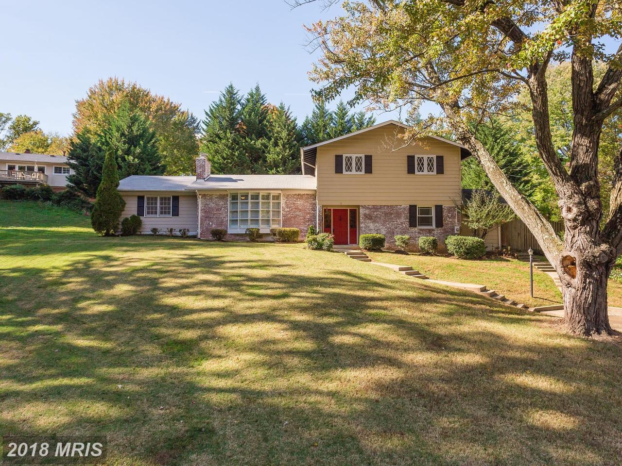 3704  Sprucedale,  Annandale, VA