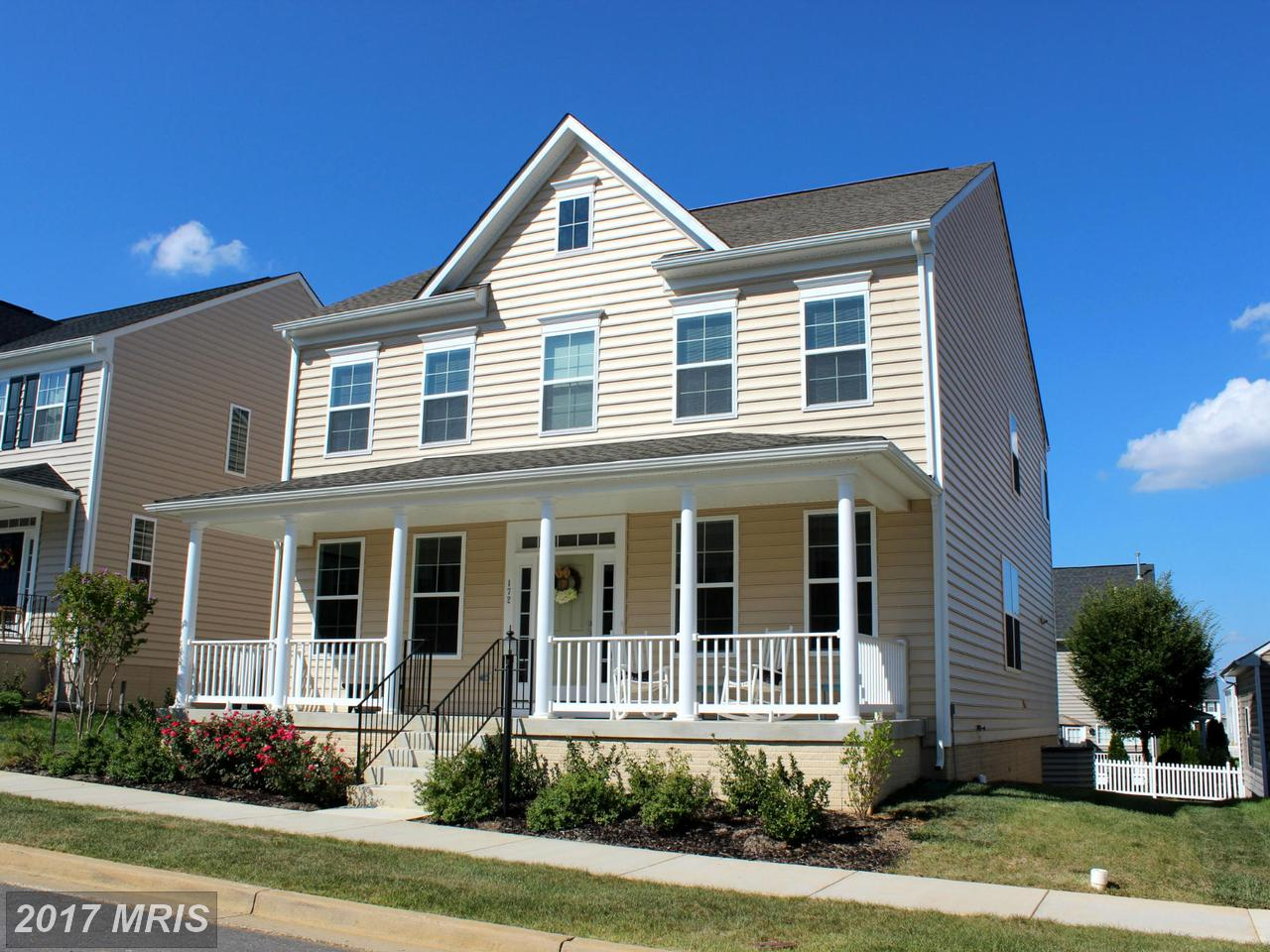172  Colonial,  Charles Town, WV