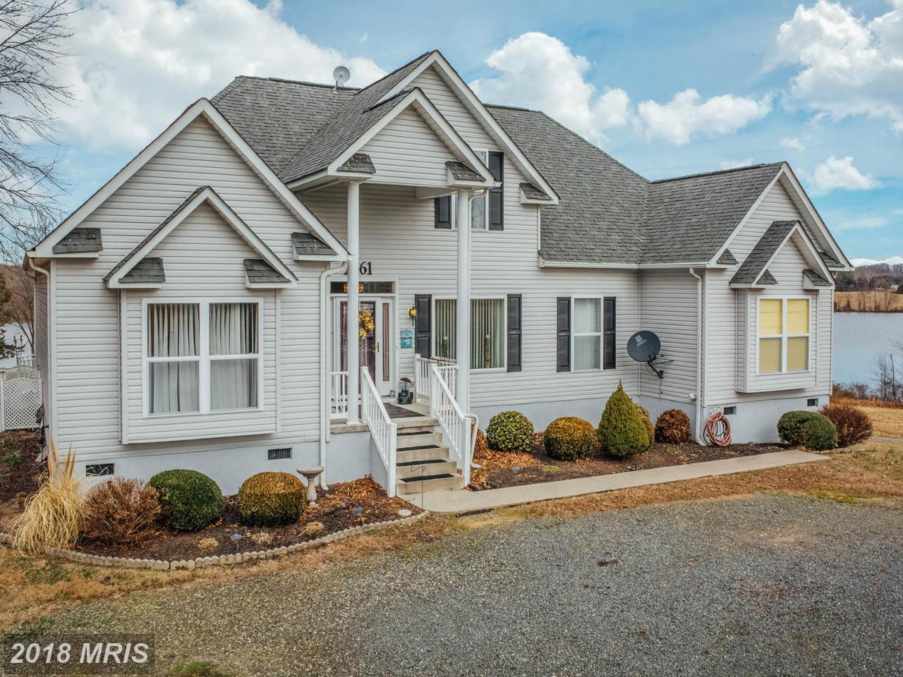 2561  Peach Grove,  Louisa, VA