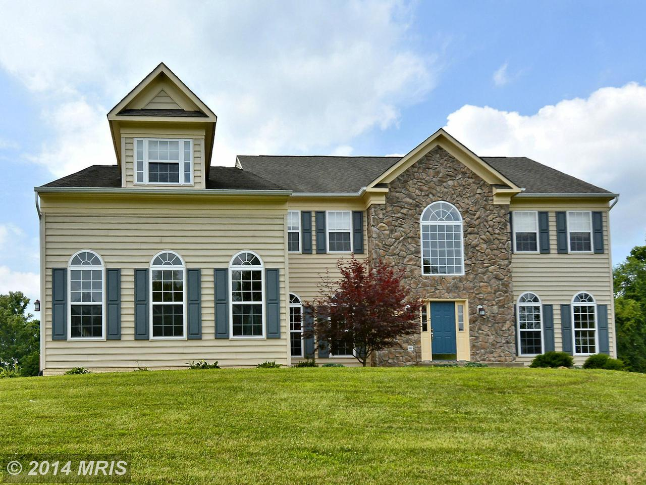 37081  Elaine,  Purcellville, VA