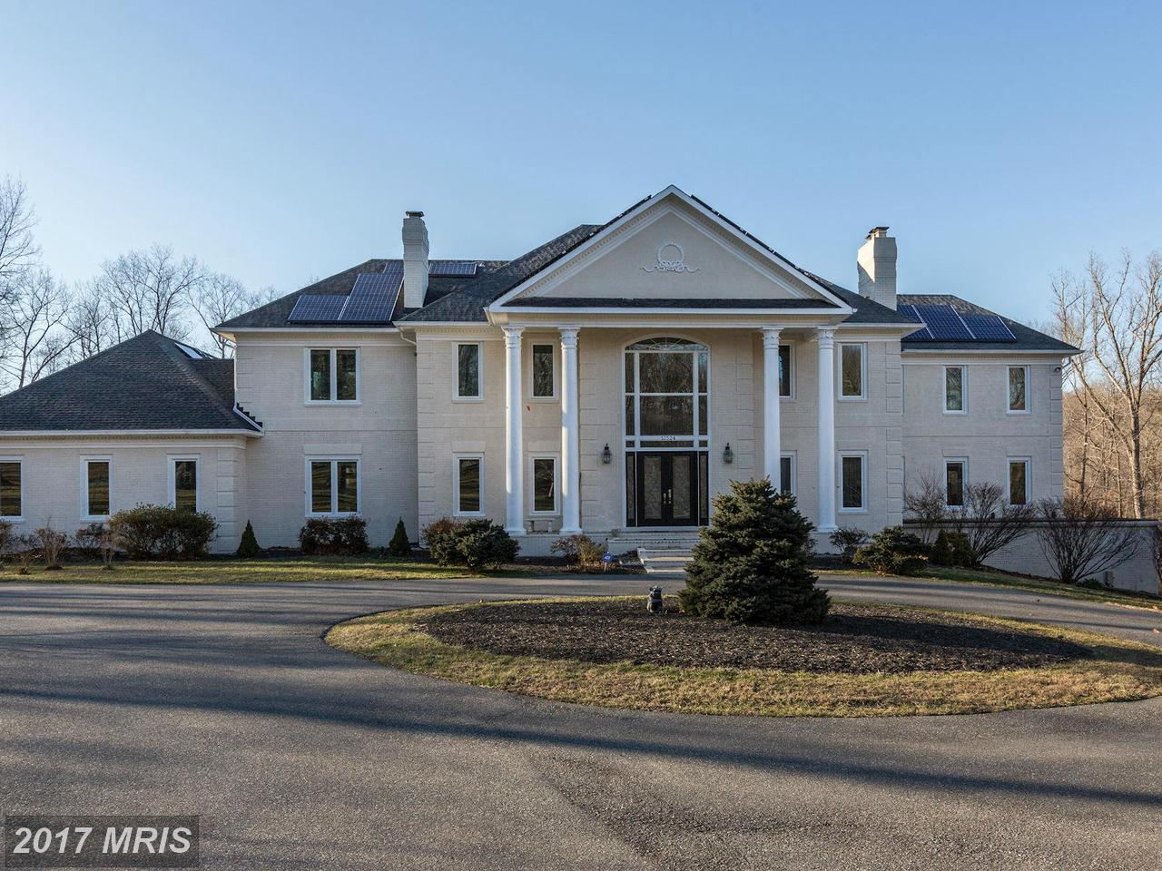 Exterior: Luxury Homes For Sale In North Potomac, MD