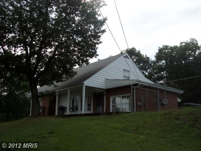 124  DIANE,  FORT ASHBY, WV