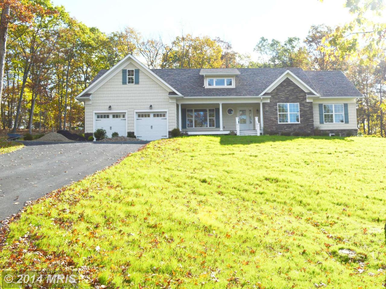 4  Colonial Heights,  Fort Ashby, WV