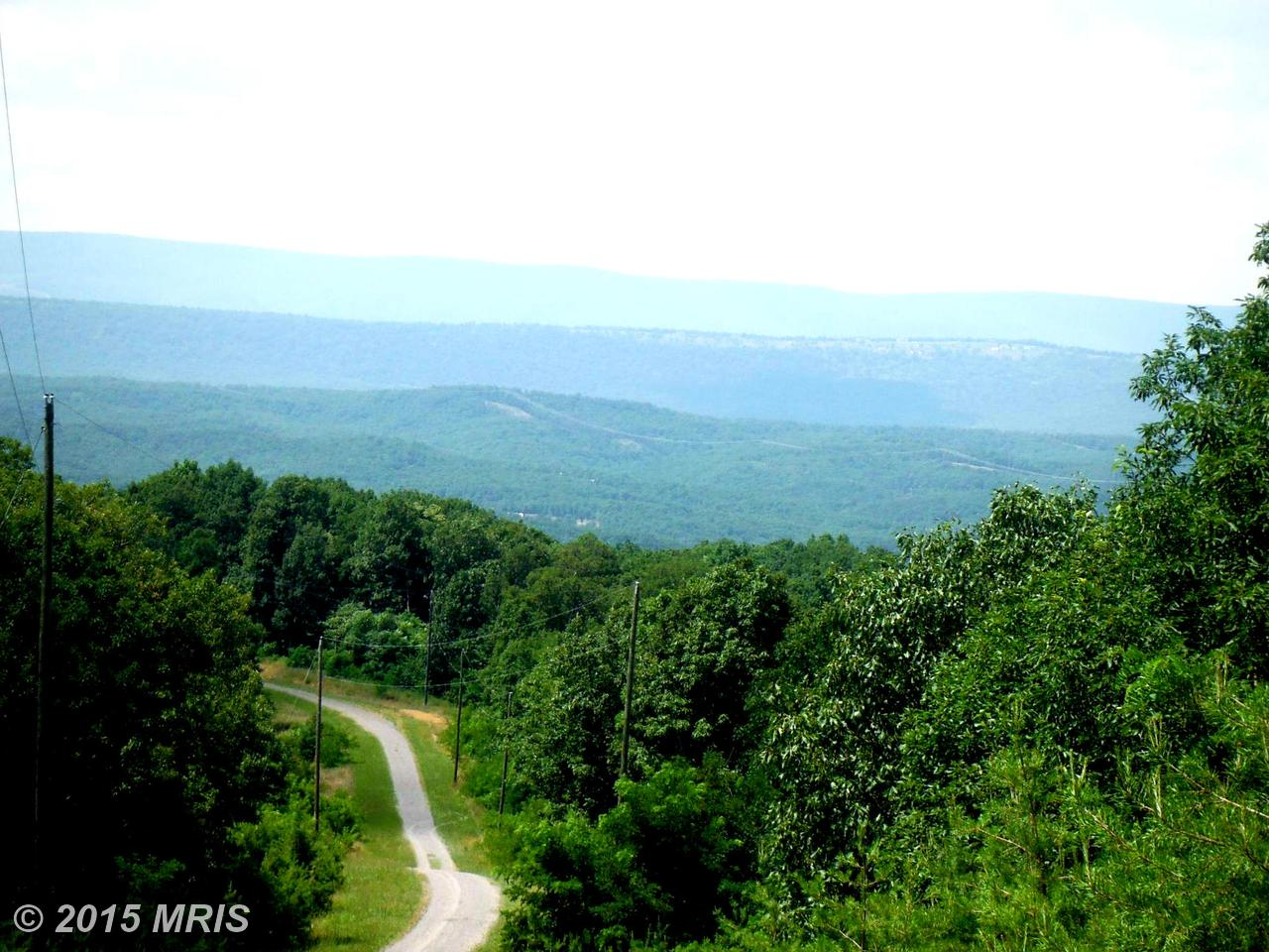 100  100 Bluffs Lookout Rd,  Fort Ashby, WV