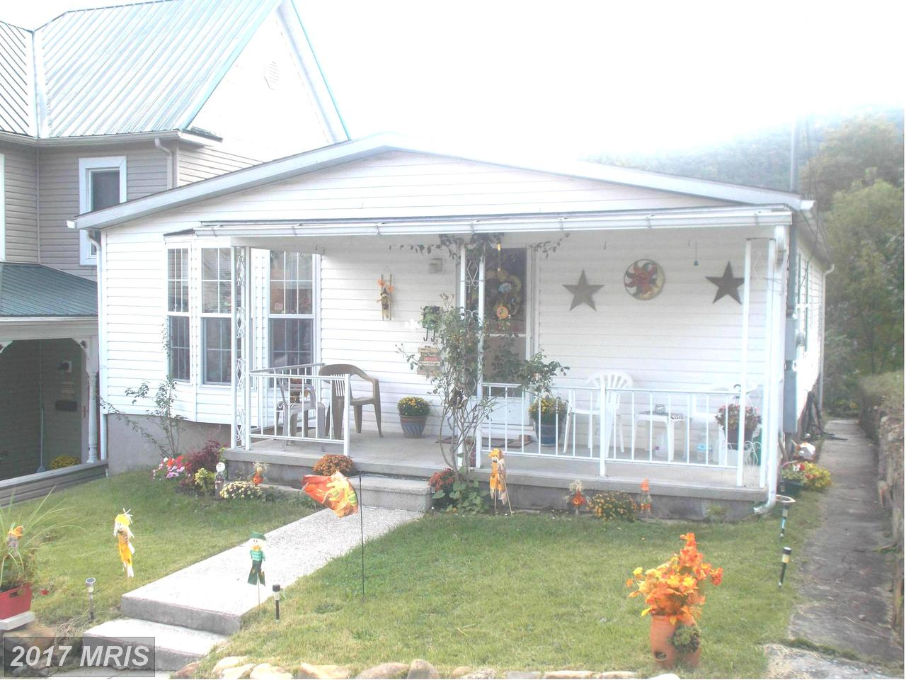 125  Orchard,  Keyser, WV