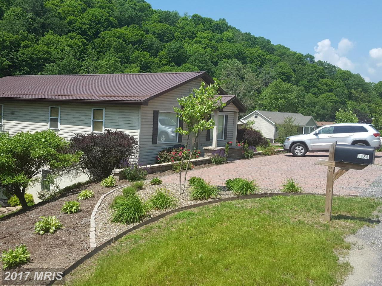 7986  Frankfort,  Fort Ashby, WV