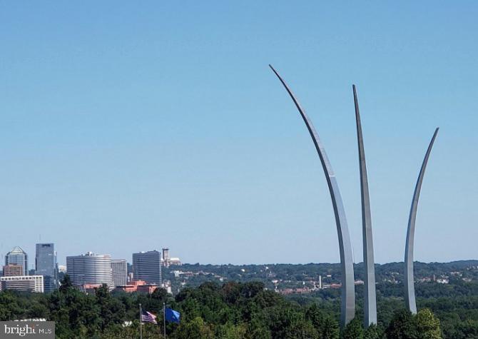 1300 Army Navy 102, Arlington, VA, 22202