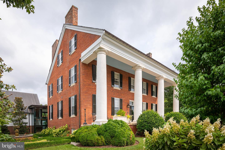 307  Amelia,  Fredericksburg, VA