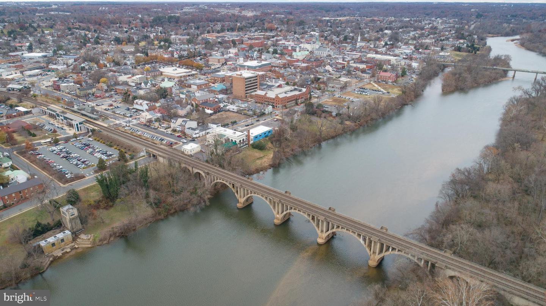 303 Caroline, Fredericksburg, VA, 22401