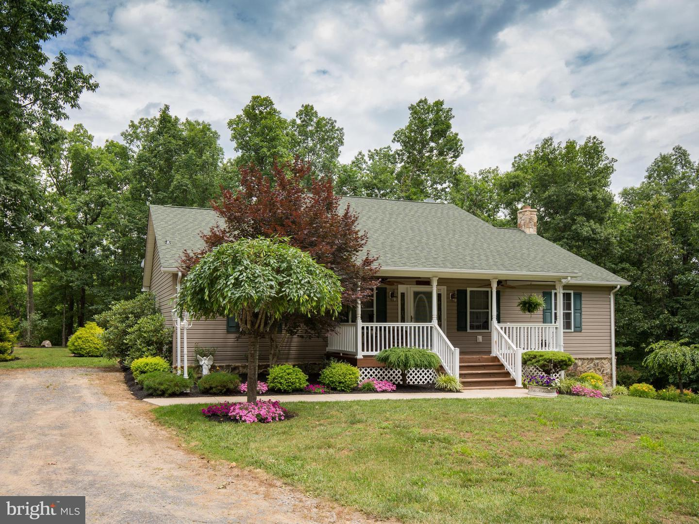 7142  Northwestern Pike,  Gore, VA