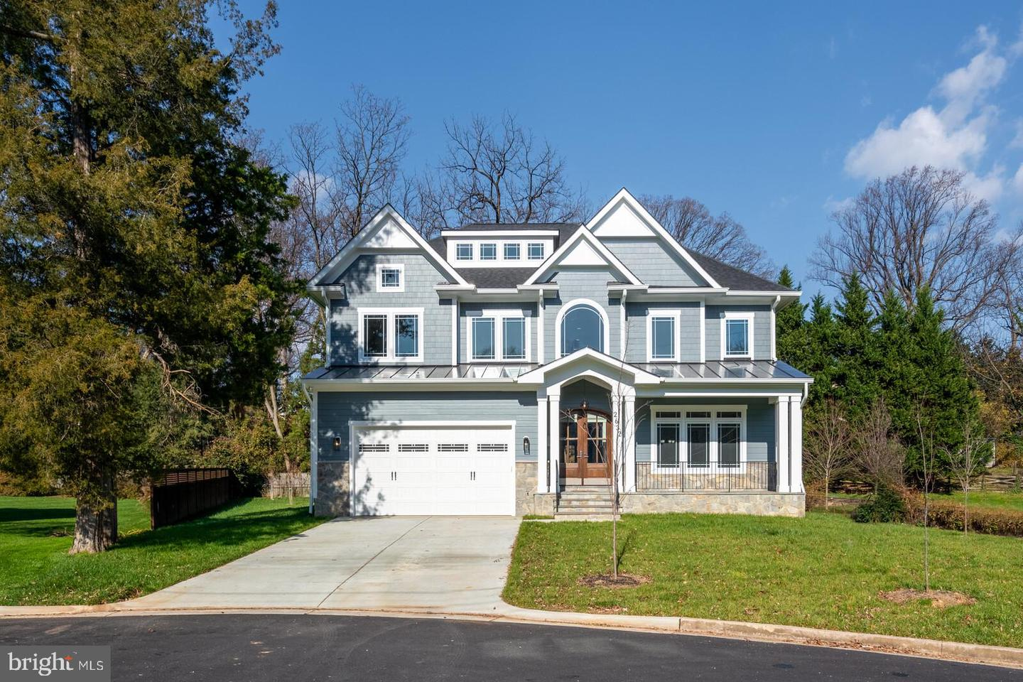2632  Laura,  Falls Church, VA