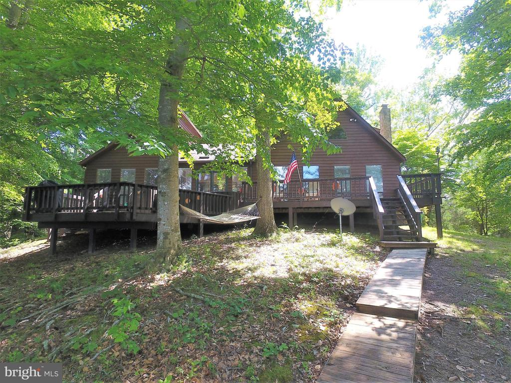 2639  Peach Grove,  Louisa, VA