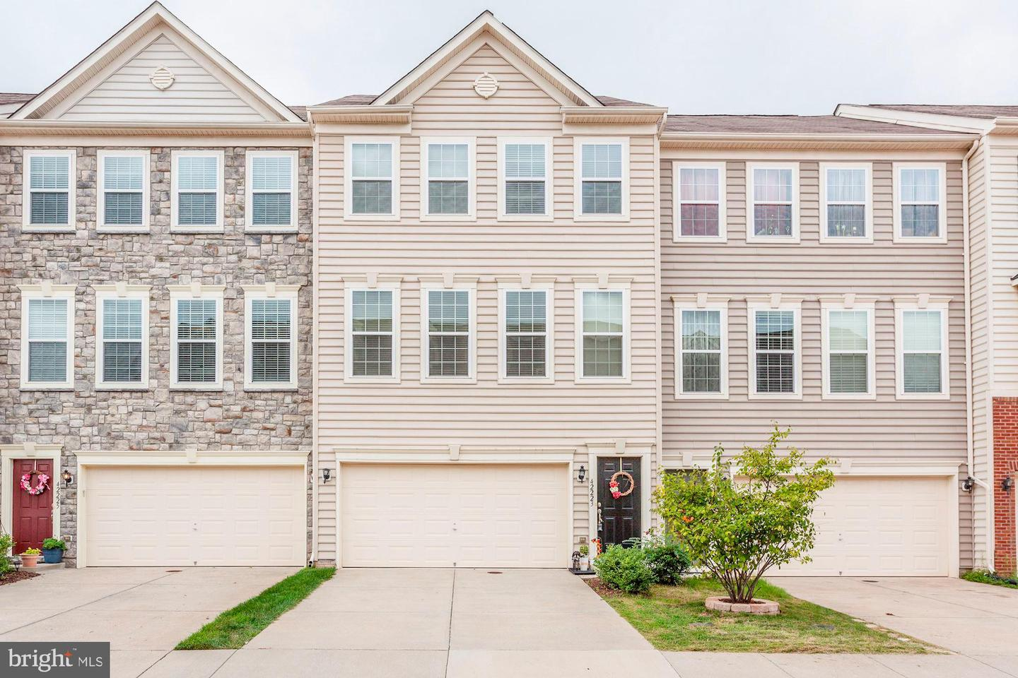 42223  Dean Chapel,  Chantilly, VA