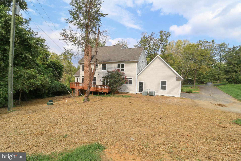 37041 Snickersville, Purcellville, VA, 20132