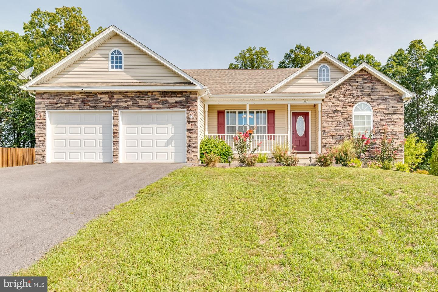 227  Paragon Drive,  Bunker Hill, WV