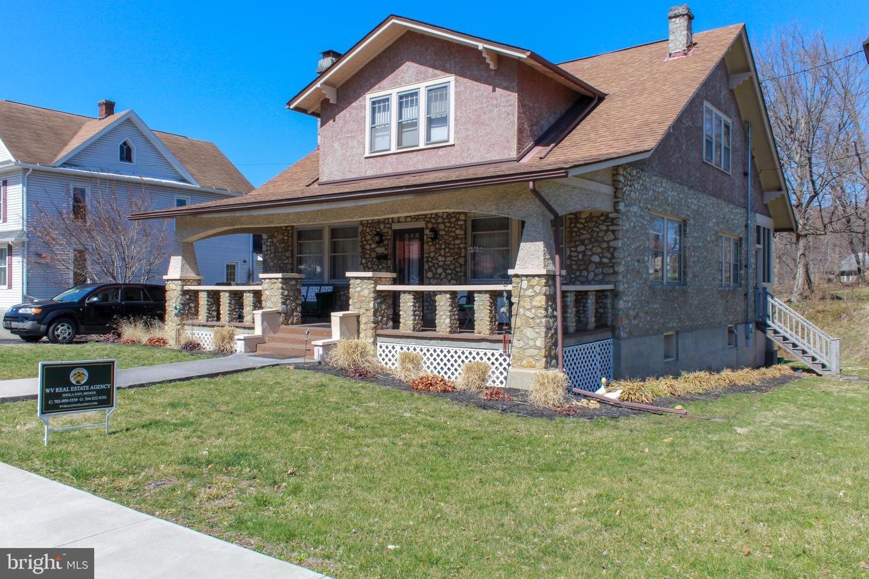 433  W.  Main St.,  Romney, WV