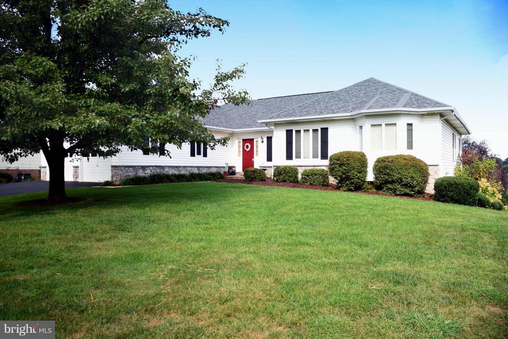 568  Turnberry,  Charles Town, WV