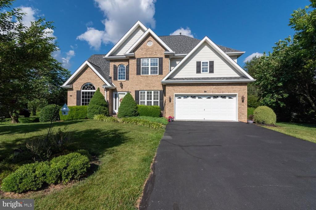 676  Turnberry,  Charles Town, WV